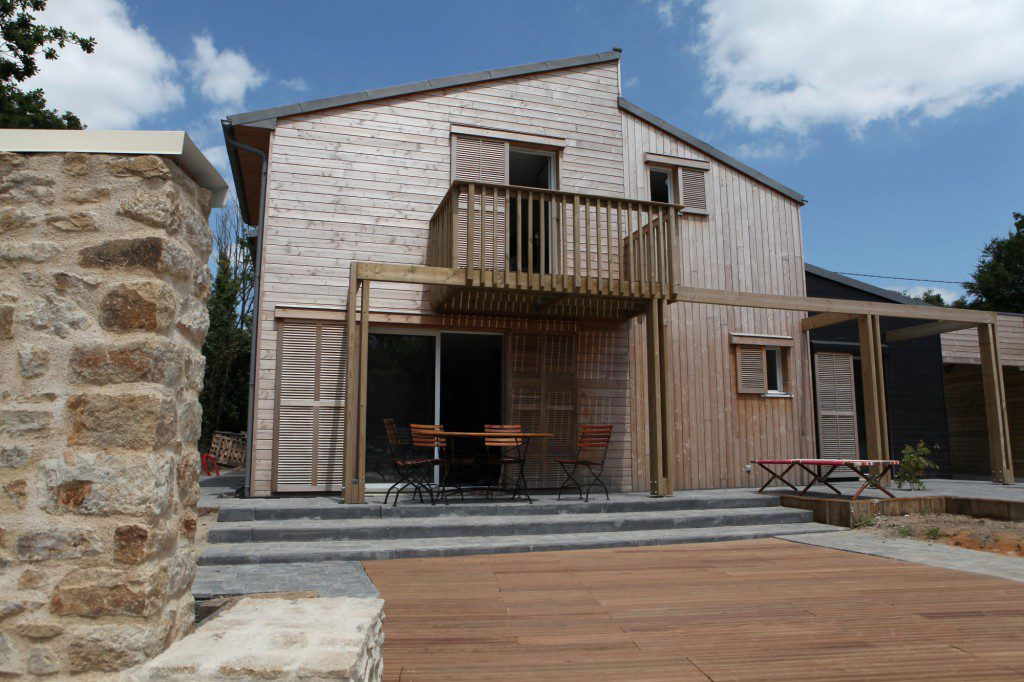 A-BIOCLIMATIC-HOUSE-IN-AURAY-BRITTANY-1