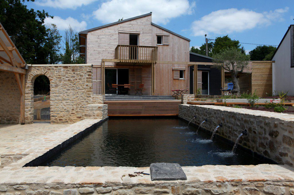 A-BIOCLIMATIC-HOUSE-IN-AURAY-BRITTANY