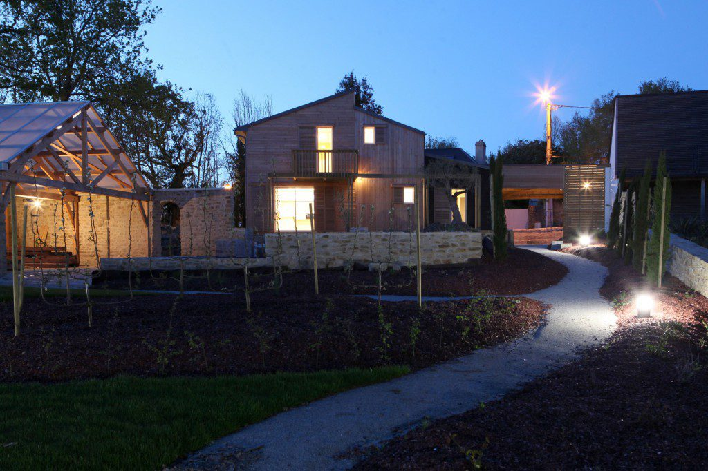 A-BIOCLIMATIC-HOUSE-IN-AURAY-BRITTANY-8