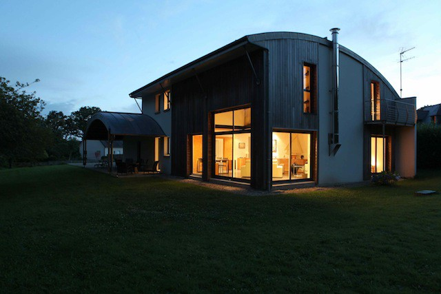 A-BIOCLIMATIC-HOUSE-IN-PLUVIGNER-BRITTANY