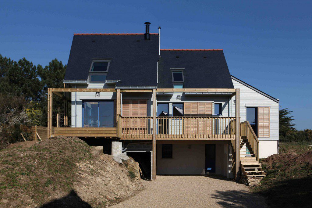 A-BIOCLIMATIC-HOUSE-IN-THE-GULF-OF-MORBIHAN-BRITTANY-2