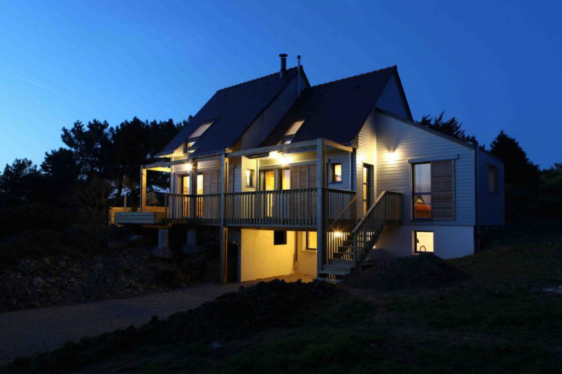 A-BIOCLIMATIC-HOUSE-IN-THE-GULF-OF-MORBIHAN-BRITTANY