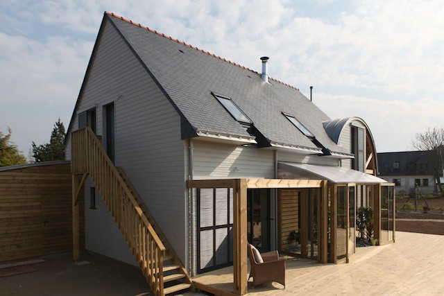 AN-ORGANIC-BIOCLIMATIC-HOUSE-IN-BRITTANY-1