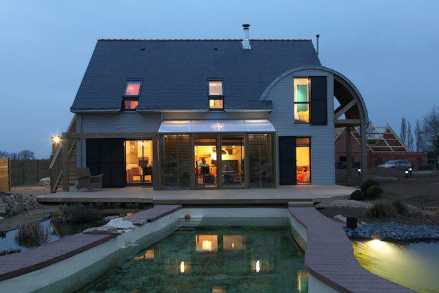AN-ORGANIC-BIOCLIMATIC-HOUSE-IN-BRITTANY