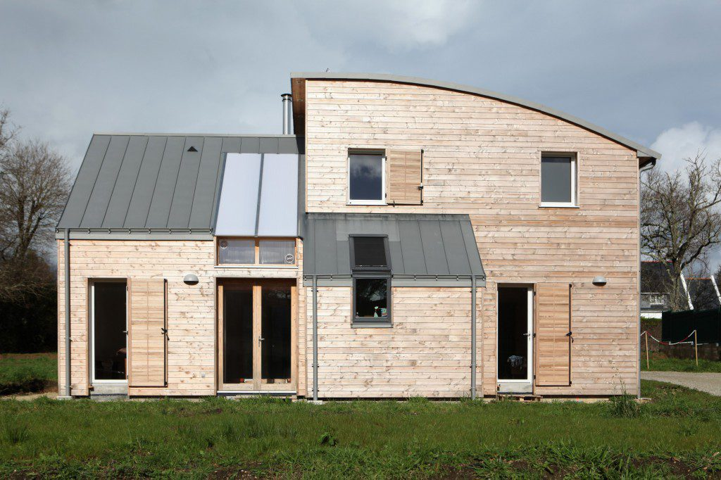 NATURAL-MATERIALS-FOR-HEALTHY-LIVING-IN-A-HOUSE-NEAR-PONT-AVEN-1