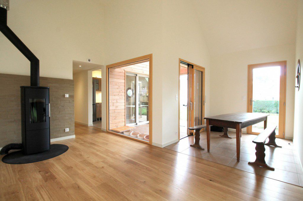 NATURAL-MATERIALS-FOR-HEALTHY-LIVING-IN-A-HOUSE-NEAR-PONT-AVEN-5