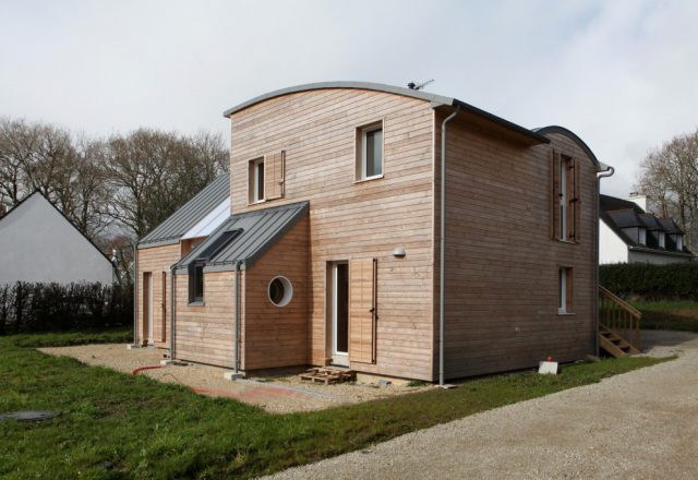 NATURAL-MATERIALS-FOR-HEALTHY-LIVING-IN-A-HOUSE-NEAR-PONT-AVEN