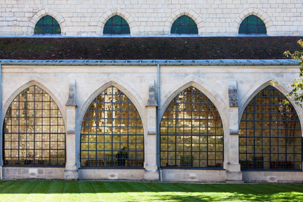 Saint-Corneille-Library-3