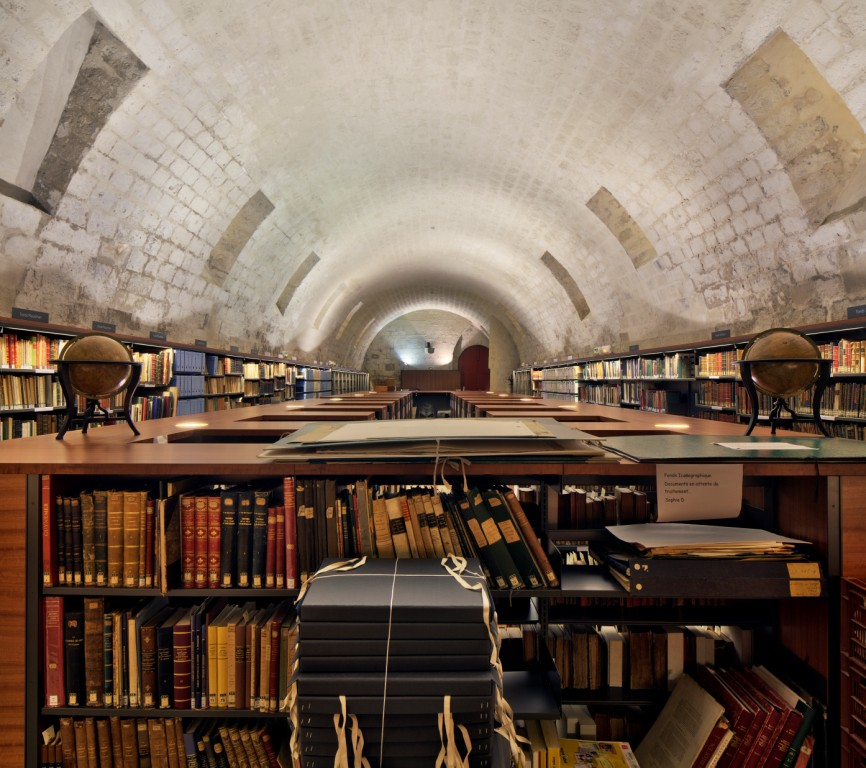 Saint-Corneille-Library-6