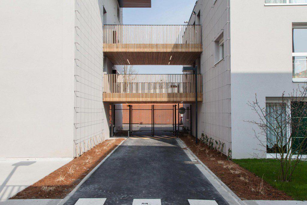 quotCouréequot-housing-2
