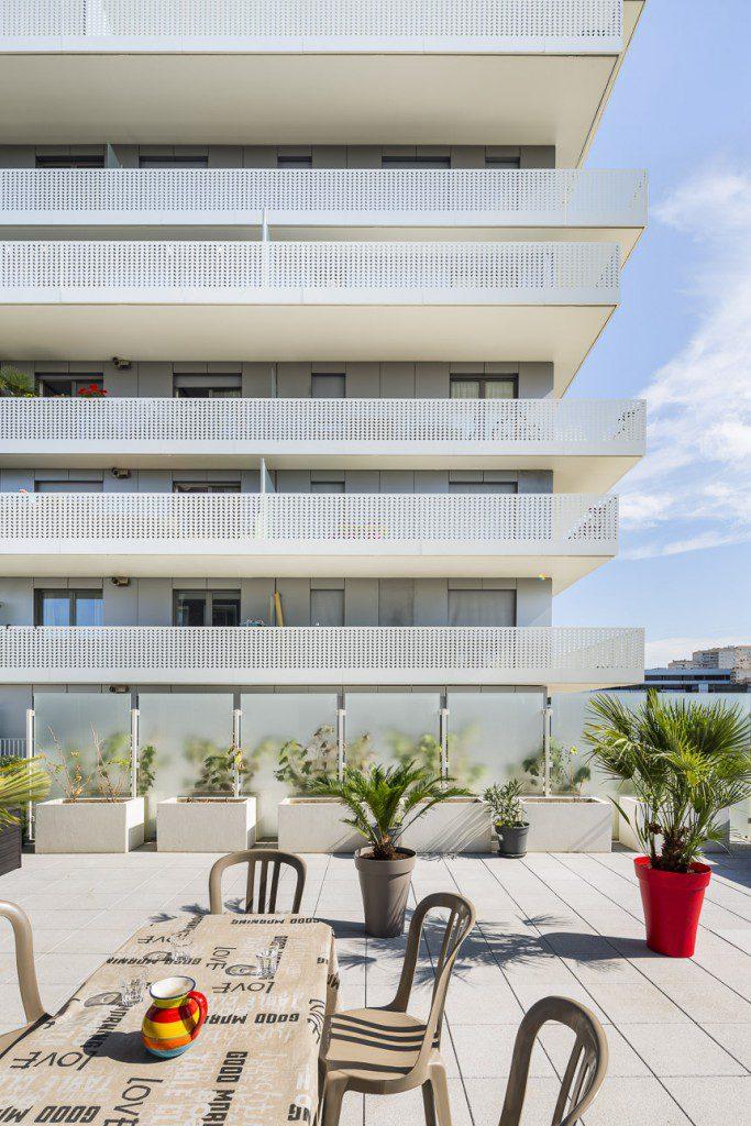 Terrace-9-at-Nanterre-AZC-1