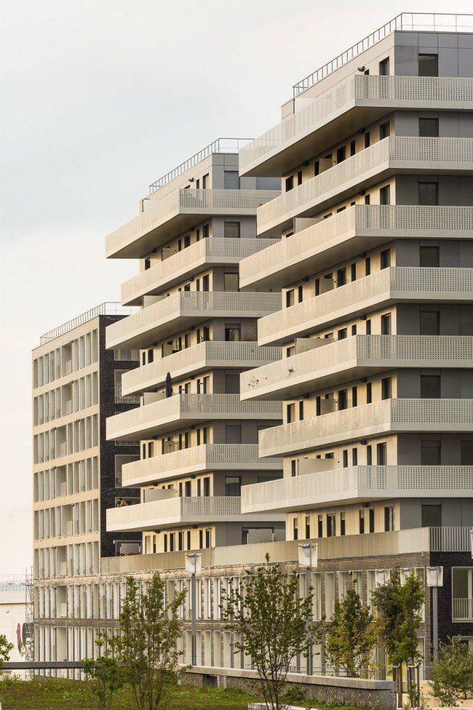 Terrace-9-at-Nanterre-AZC-2